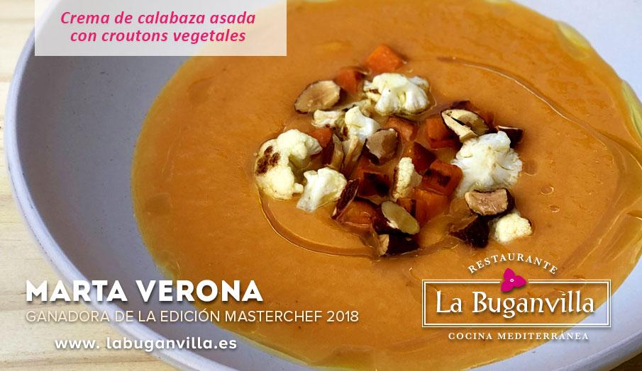 Crema de calabaza asada con croutons vegetales